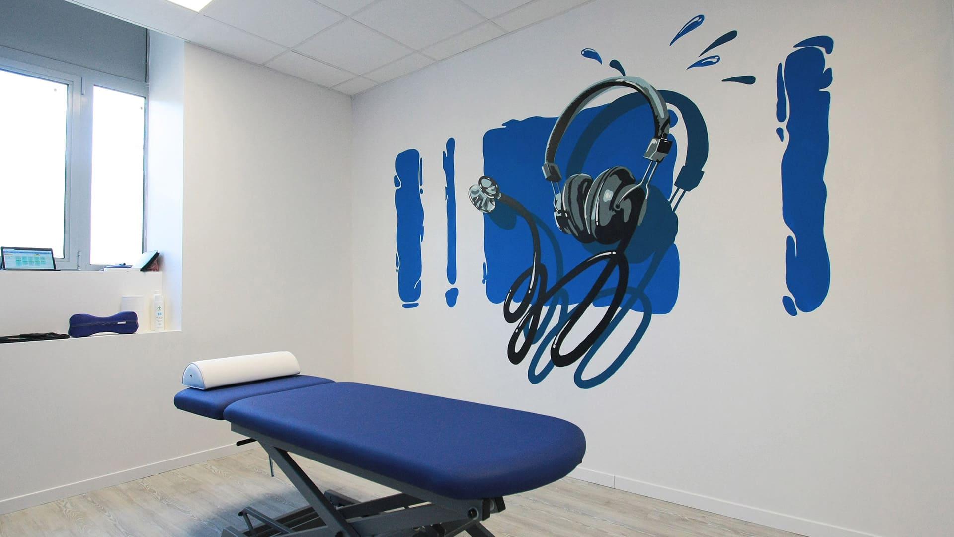 decoration murale peinture musique bleu reeducation salle interieure