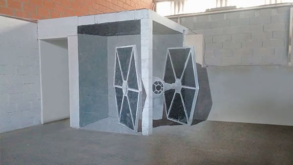 street art-graffiti-stormtrooper- tiefighter-gris-anamorphic-illusion-graffiti brickwall